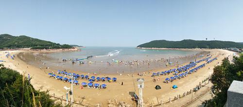 松兰山沙滩全景照
